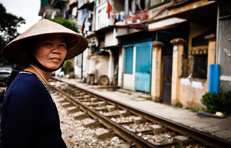 hanoi-railway-tracks-12